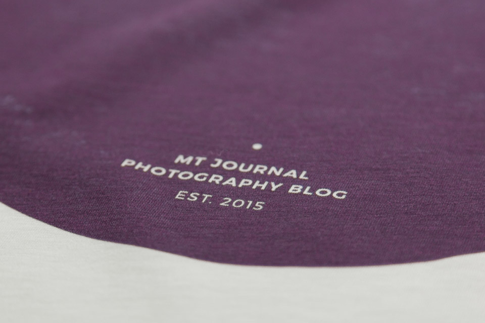 Close up Aufnahme vom MT Journal Fotografen T-Shirt