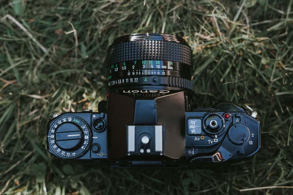Knöpfe zur Kamera Einstellung der Canon A1 von oben