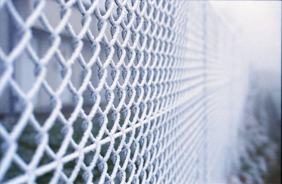 Zaun im Winter aufgenommen mit der Canon A1
