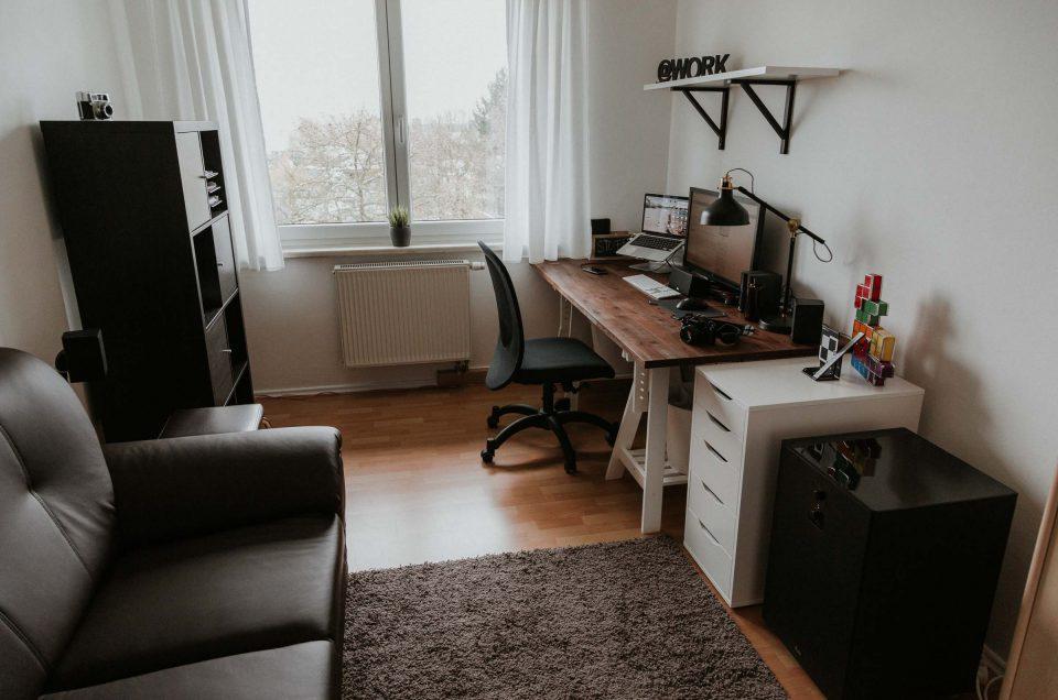 Design Homeoffice mit günstigem Tischbock Schreibtisch
