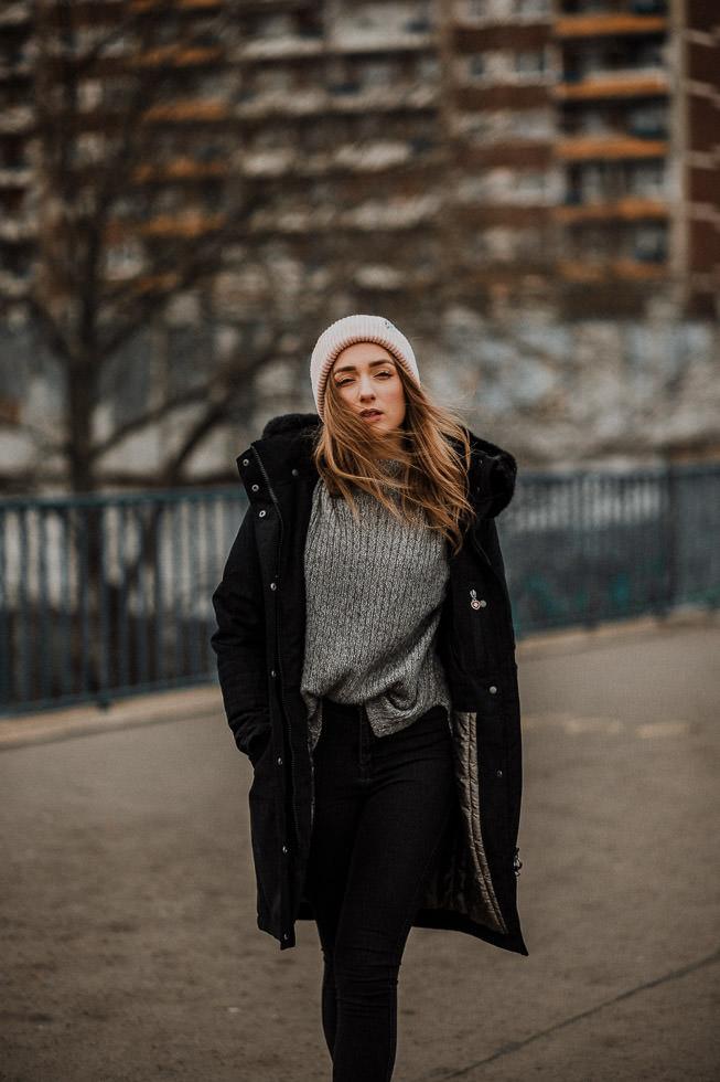 Portraitfotografie Tipps - Model Outdoor vor Hochhaus