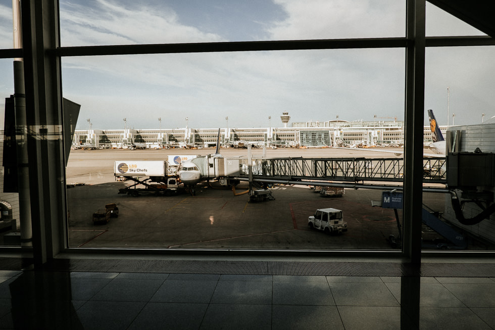 Lufthansa Surprise Zufallsflug - Warten am Gate