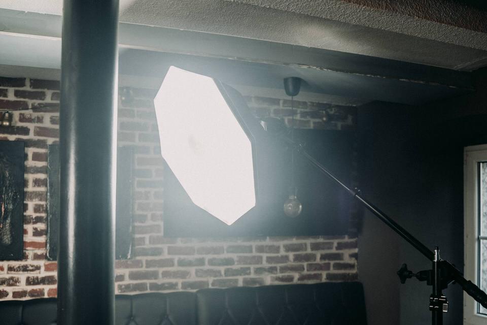 Indoor Blitz Fotografie - Softbox einsetzen