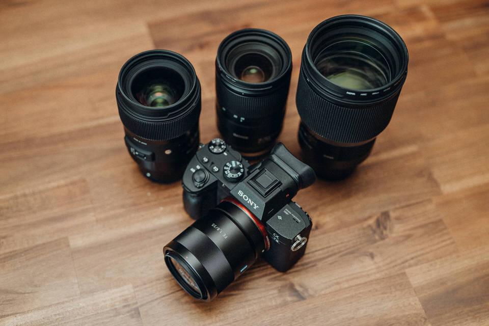 Kamera- und Fotoausrüstung Sony Alpha 7 und Objektive