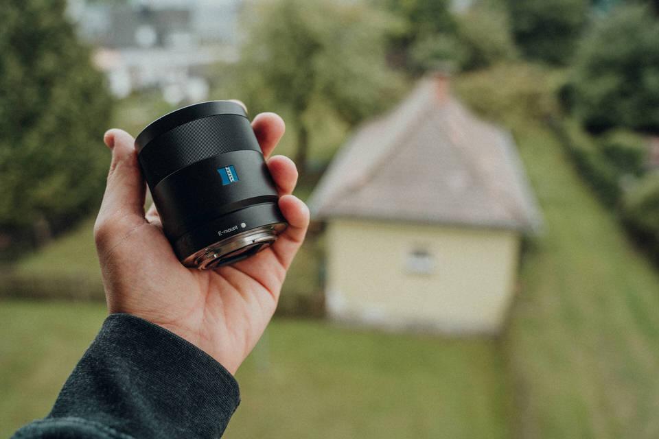 Das Sony Zeiss 55mm 1.8 Sonnar Objektiv