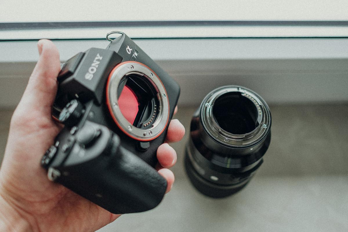 Kamera beim Objektiv wechseln